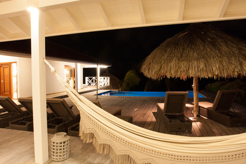 Vakantiehuis Curacao HappyView hangmat by night